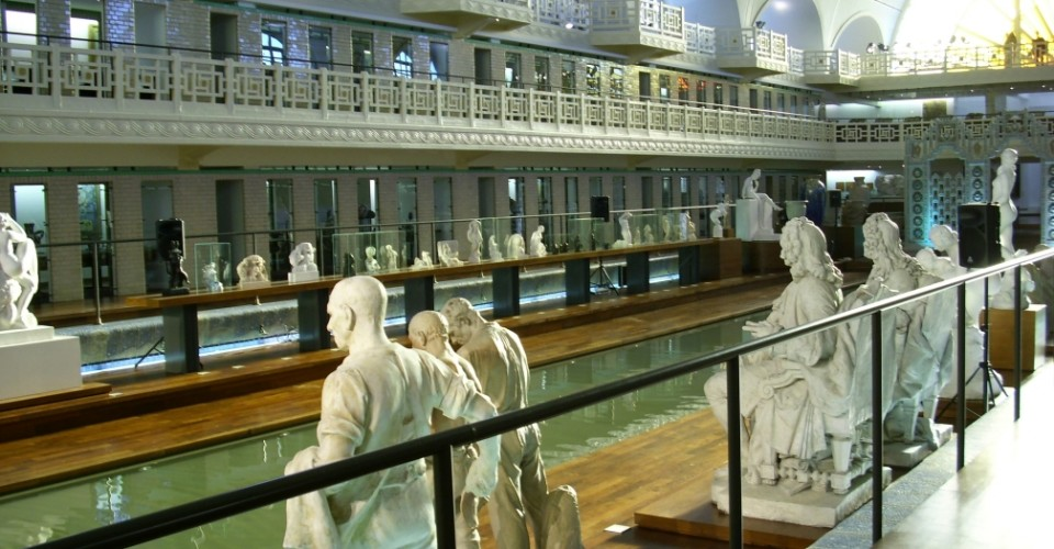 Piscine de Roubaix : sculptures